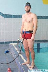 Резина для протяжки пловца в бассейне
